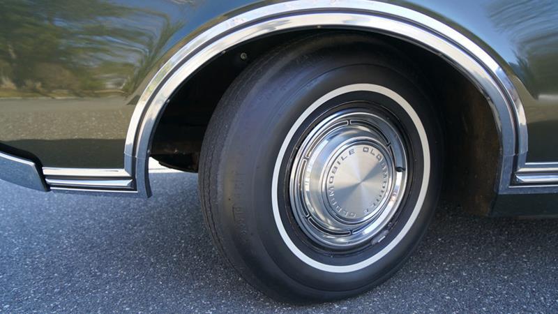 1968 Oldsmobile Delta Eighty-Eight 33