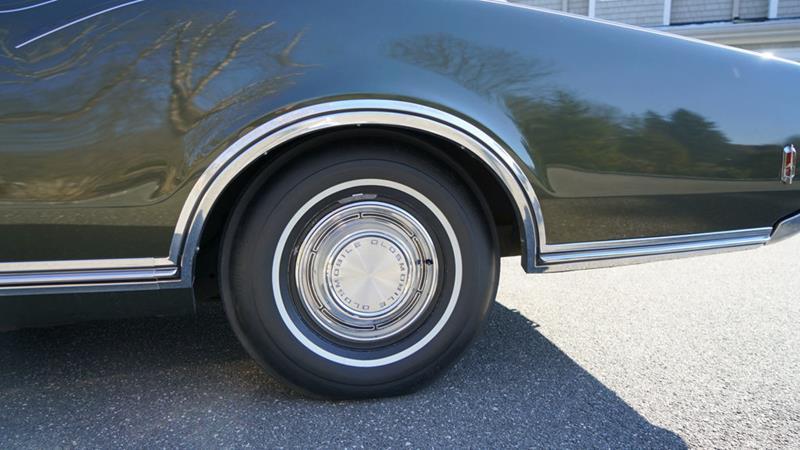 1968 Oldsmobile Delta Eighty-Eight 32