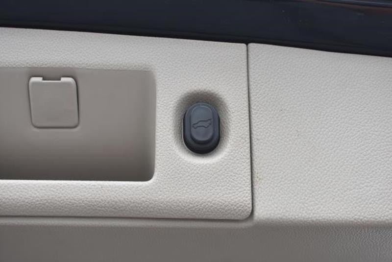 2015 Cadillac Escalade 21