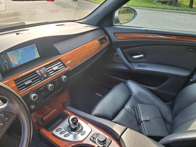 2010 BMW M5 32