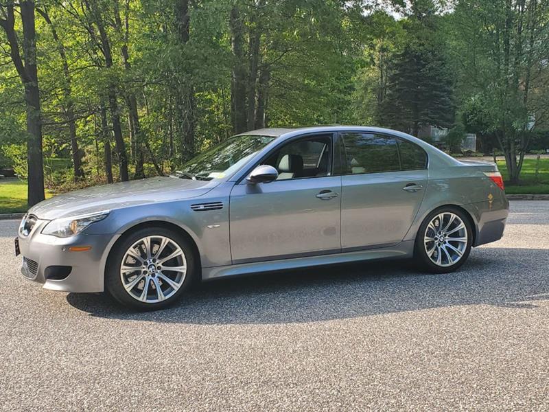 2010 BMW M5 8