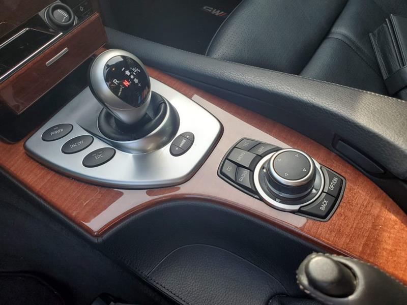 2010 BMW M5 35