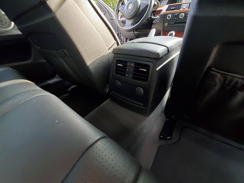 2010 BMW M5 45