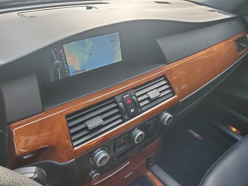 2010 BMW M5 33
