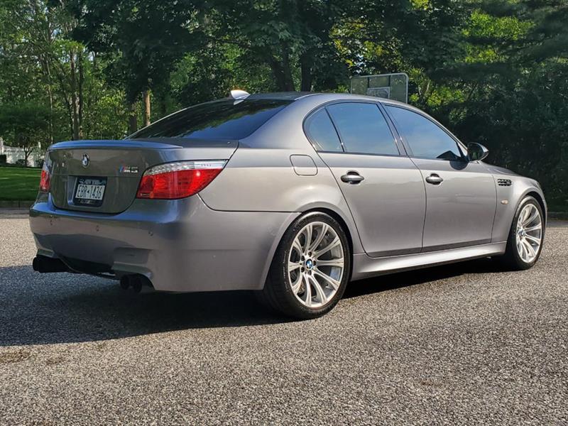 2010 BMW M5 4