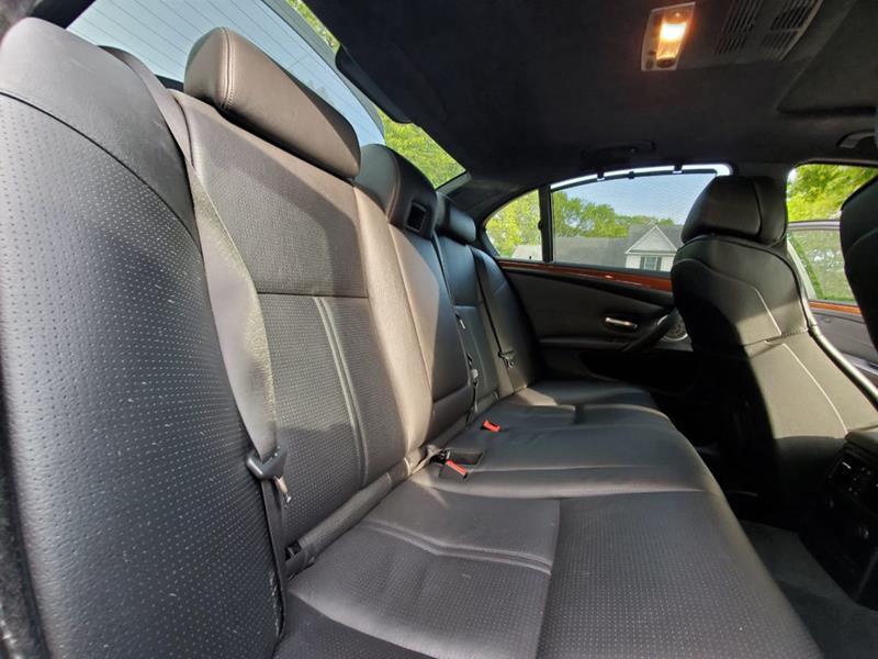 2010 BMW M5 42