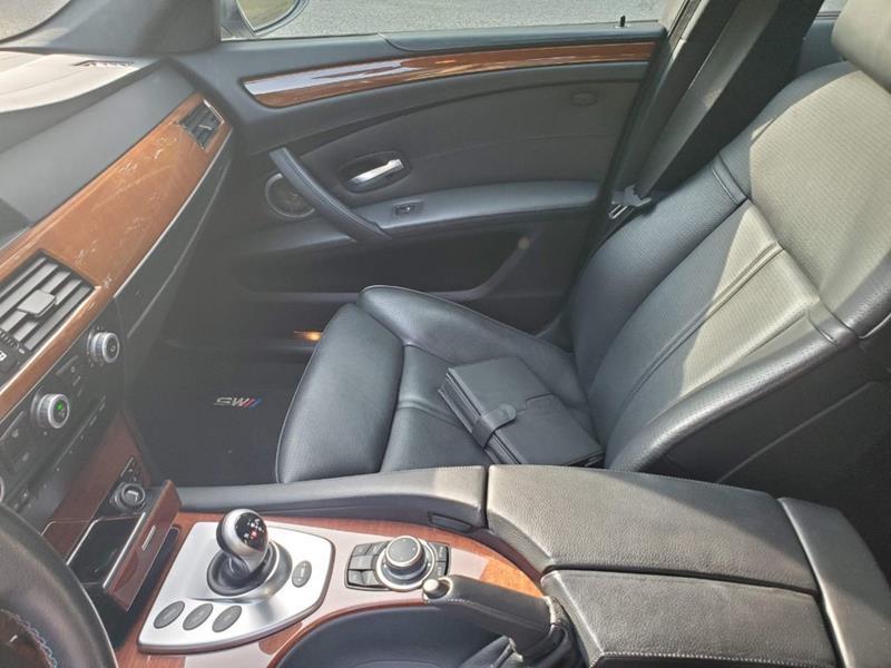 2010 BMW M5 36