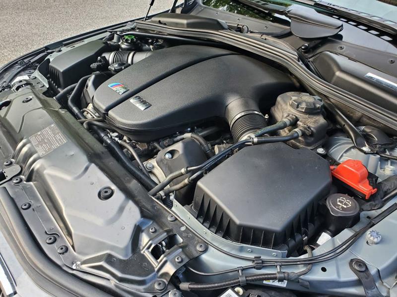2010 BMW M5 64