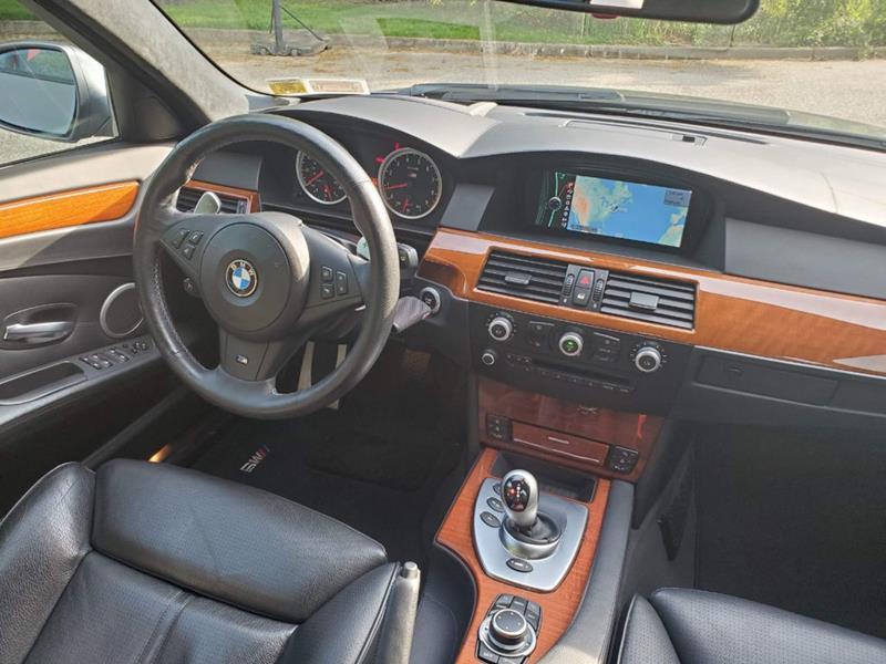 2010 BMW M5 27