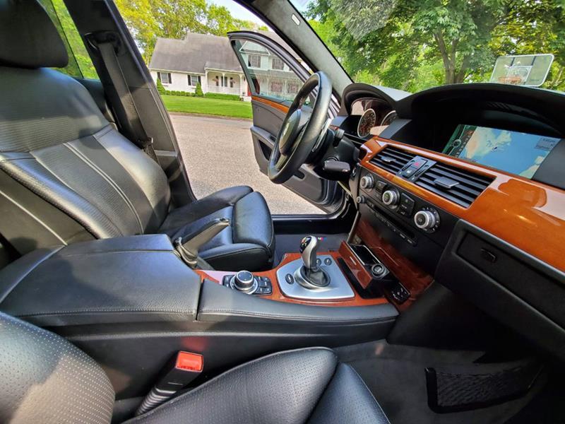 2010 BMW M5 49