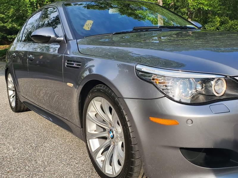 2010 BMW M5 13