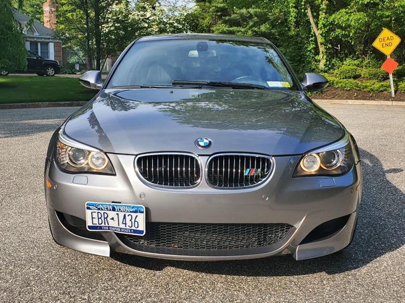 2010 BMW M5 12