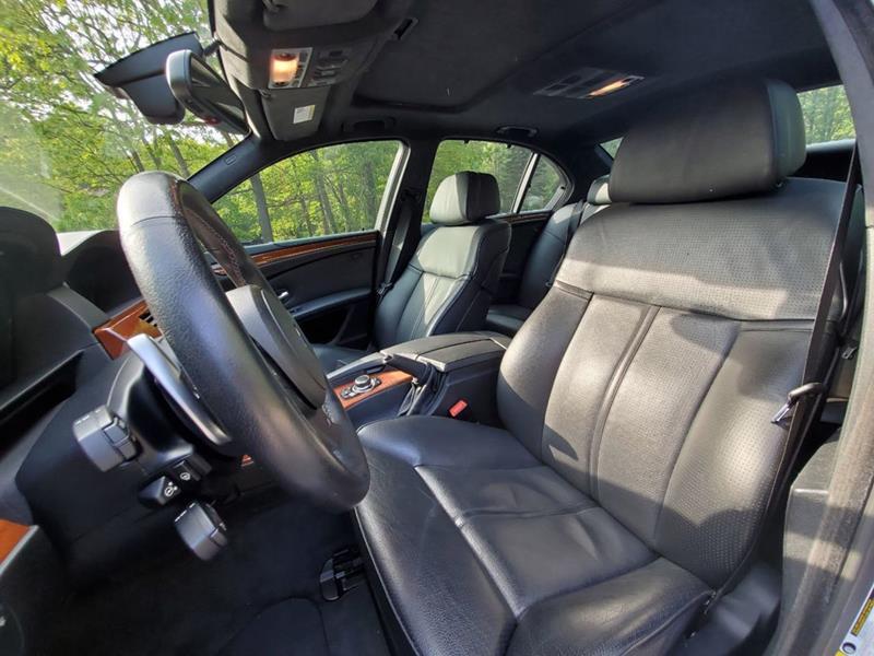 2010 BMW M5 28