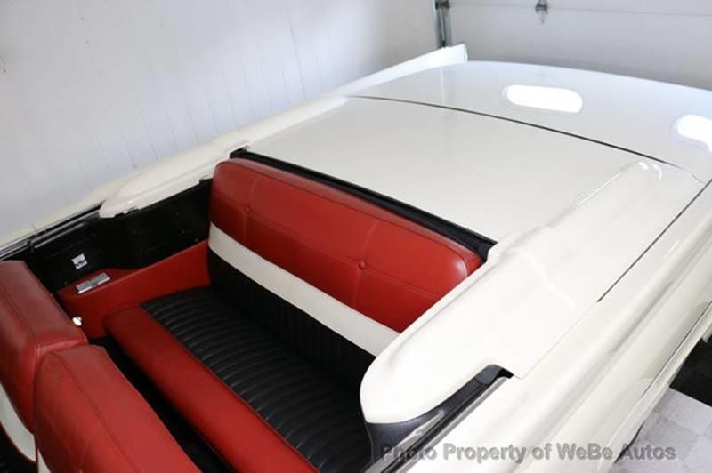 1958 Lincoln Continental 32