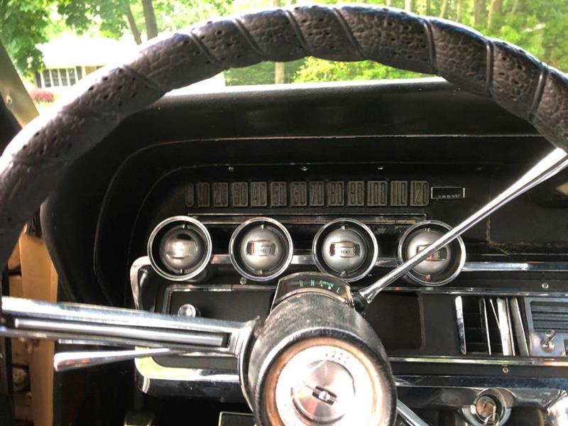 1966 Ford Thunderbird 40