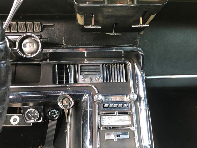 1966 Ford Thunderbird 44