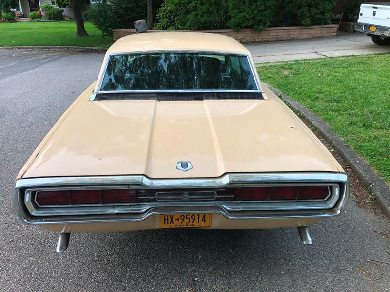 1966 Ford Thunderbird 10