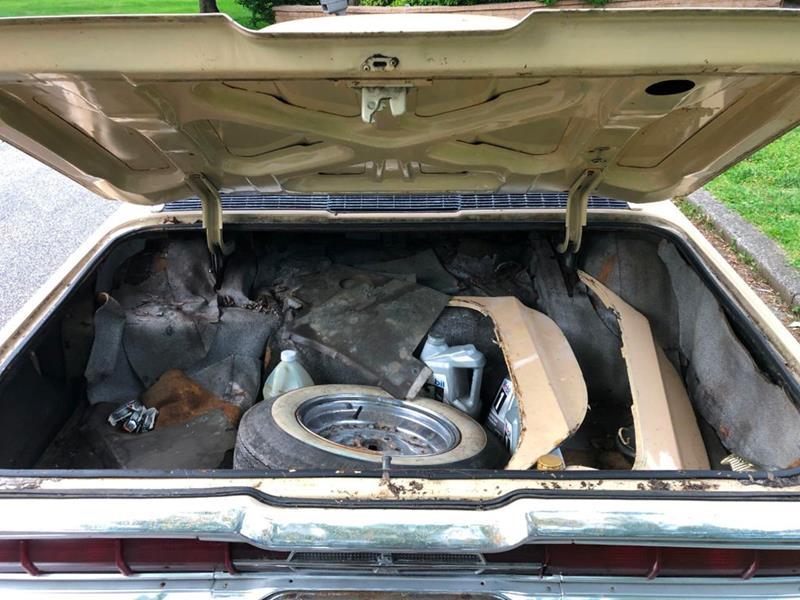 1966 Ford Thunderbird 53