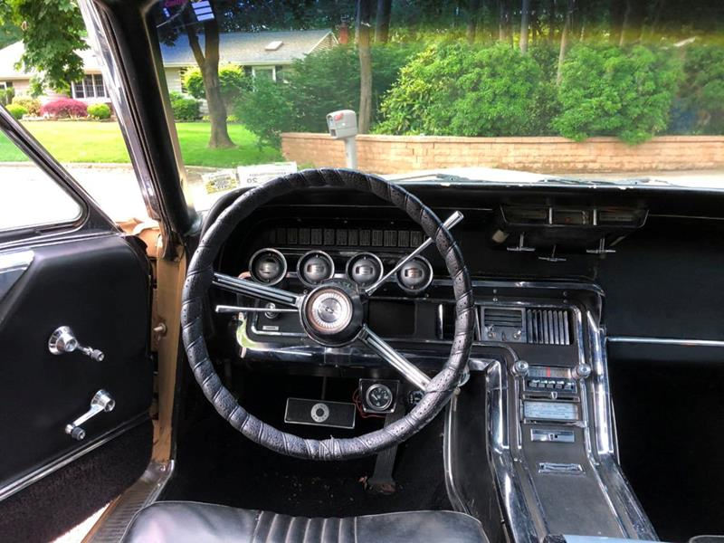1966 Ford Thunderbird 36