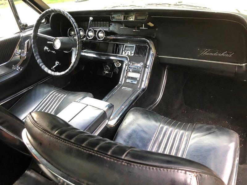1966 Ford Thunderbird 24