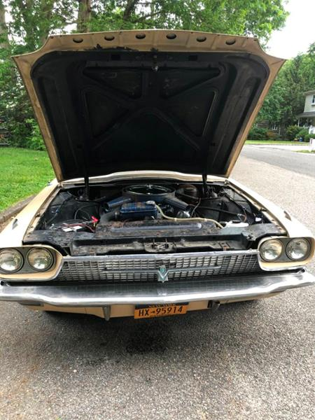 1966 Ford Thunderbird 52
