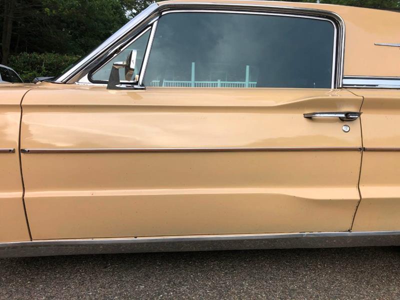 1966 Ford Thunderbird 15