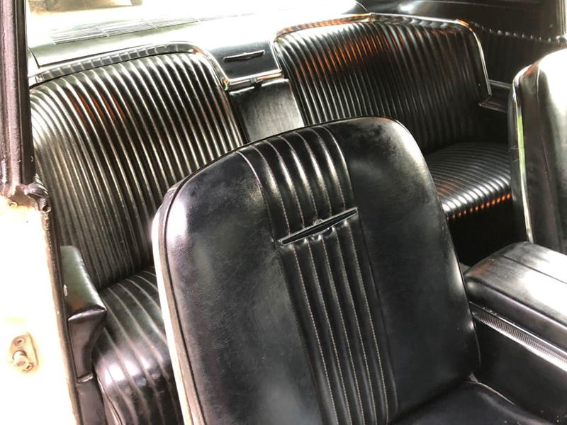 1966 Ford Thunderbird 25