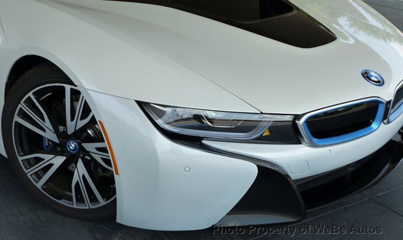 2016 BMW i8 4