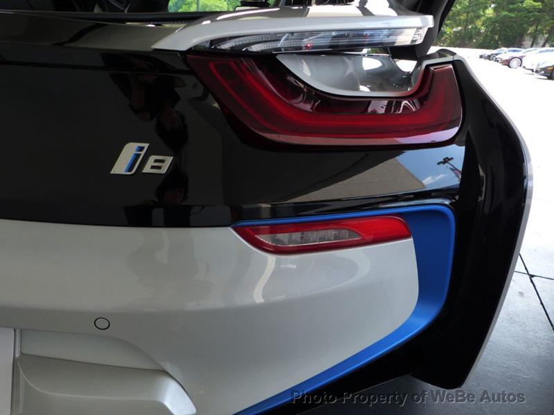 2016 BMW i8 24