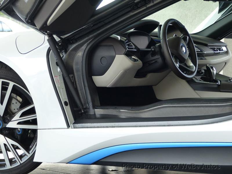 2016 BMW i8 12