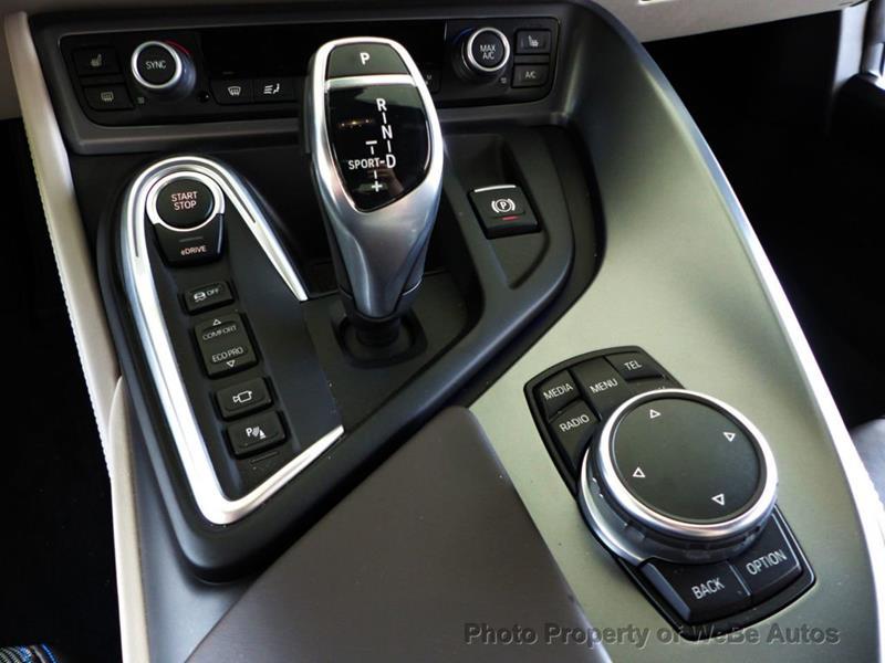 2016 BMW i8 16