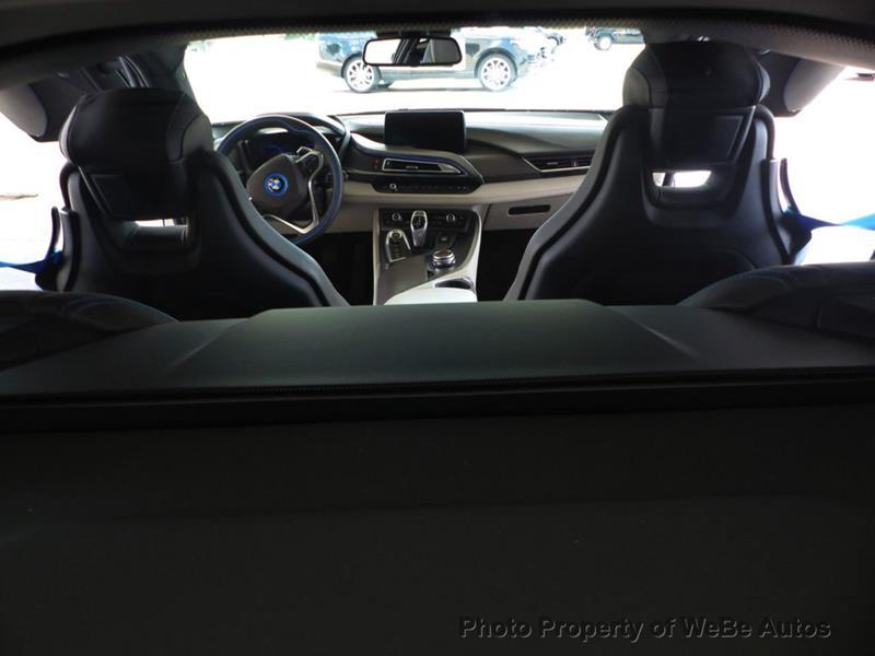 2016 BMW i8 25