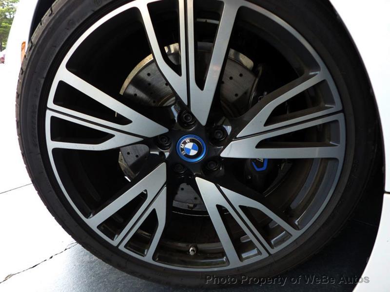 2016 BMW i8 26
