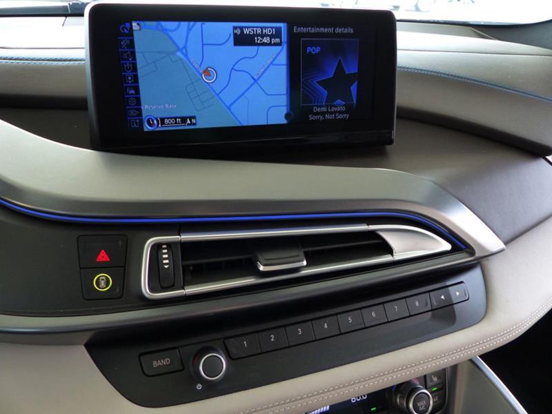 2016 BMW i8 14