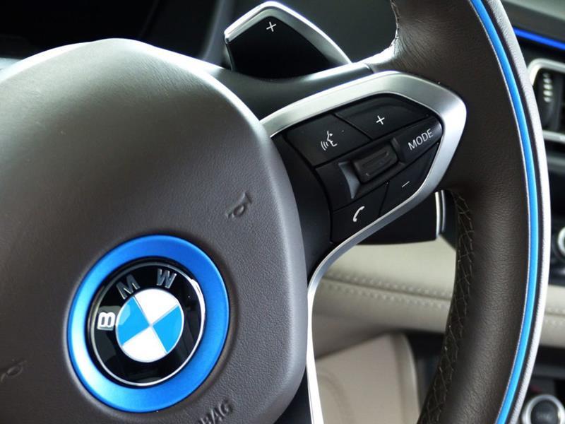 2016 BMW i8 19