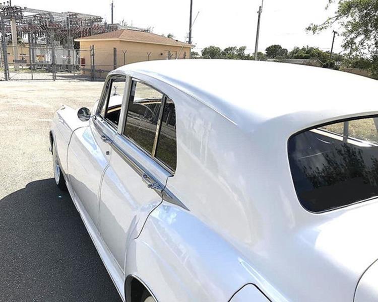 1961 Rolls-Royce SILVER CLOUD II LIMOUSINE 4