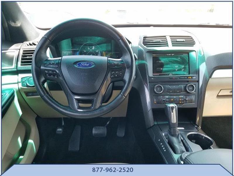 2016 Ford Explorer 9