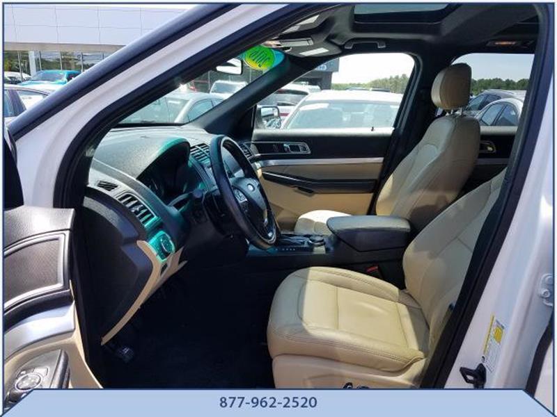 2016 Ford Explorer 10