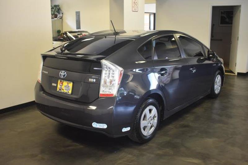 2010 Toyota Prius 3