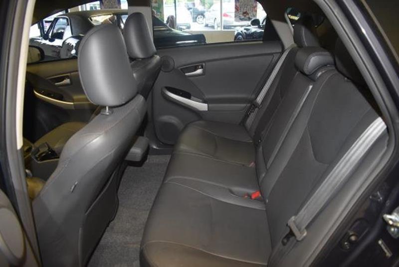 2010 Toyota Prius 12
