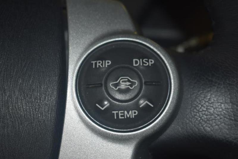 2010 Toyota Prius 24