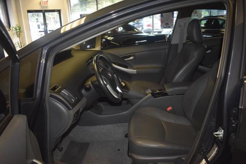 2010 Toyota Prius 11