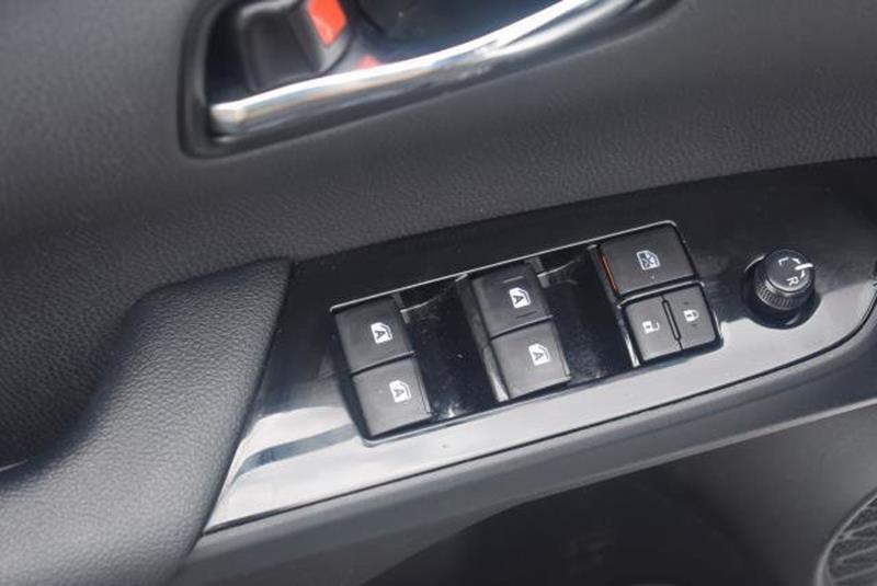 2018 Toyota Prius 12