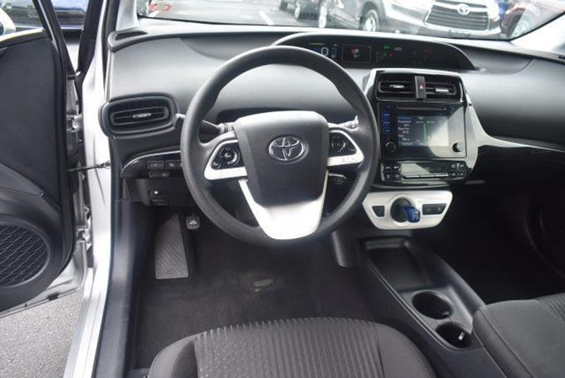2018 Toyota Prius 11