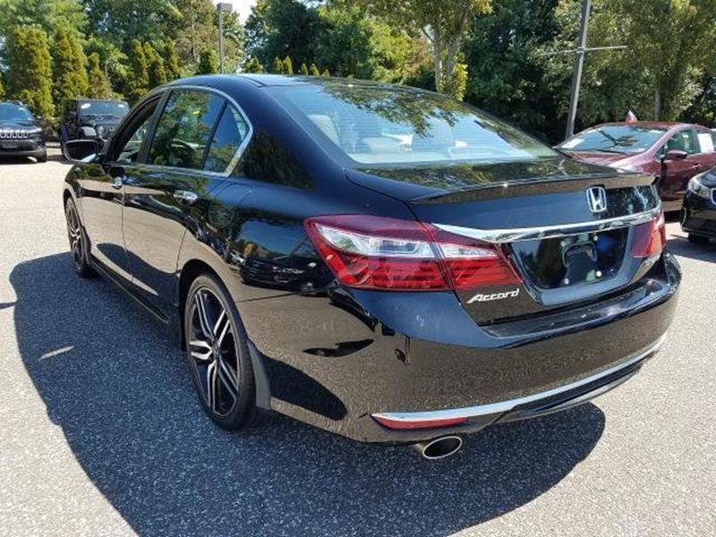 2017 Honda Accord 22