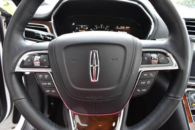 2017 Lincoln Continental 10