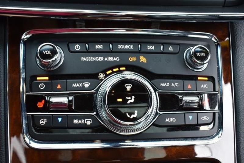 2017 Lincoln Continental 7
