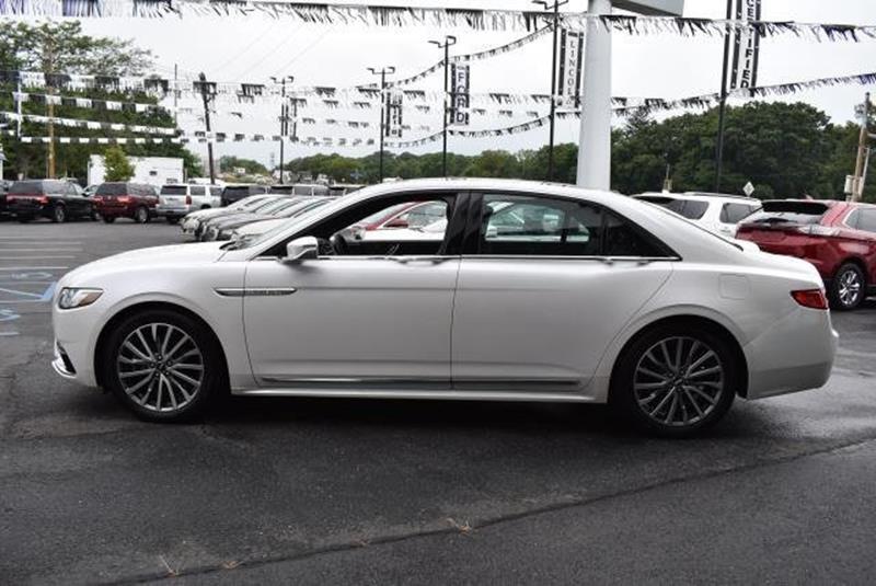 2017 Lincoln Continental 17