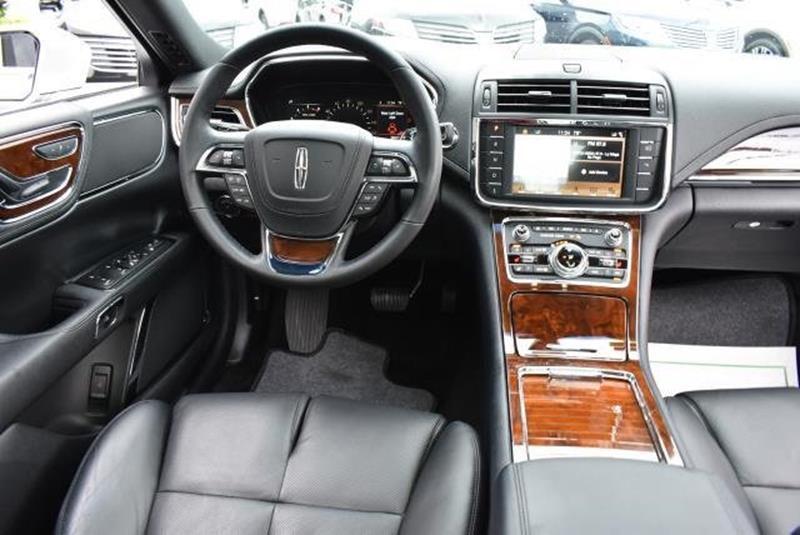 2017 Lincoln Continental 26