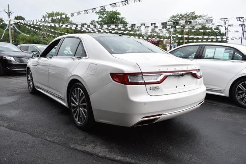 2017 Lincoln Continental 18
